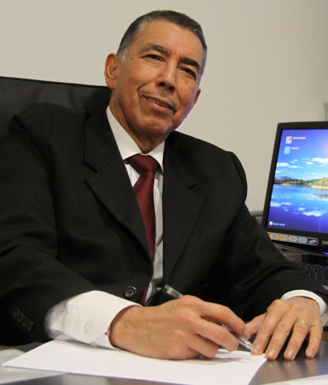 Doctor en Derecho Romano, Master en Derecho de Extranjería, Post Grado en Derecho Penal